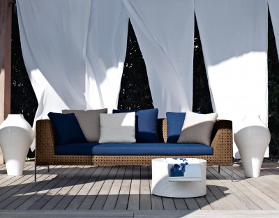 B&B-ITALIA-OUTDOOR_CHARLES OUTDOOR_16231_L0_I2_charles-outdoor-01